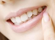 銀歯を白くする ほてつ治療のイメージ